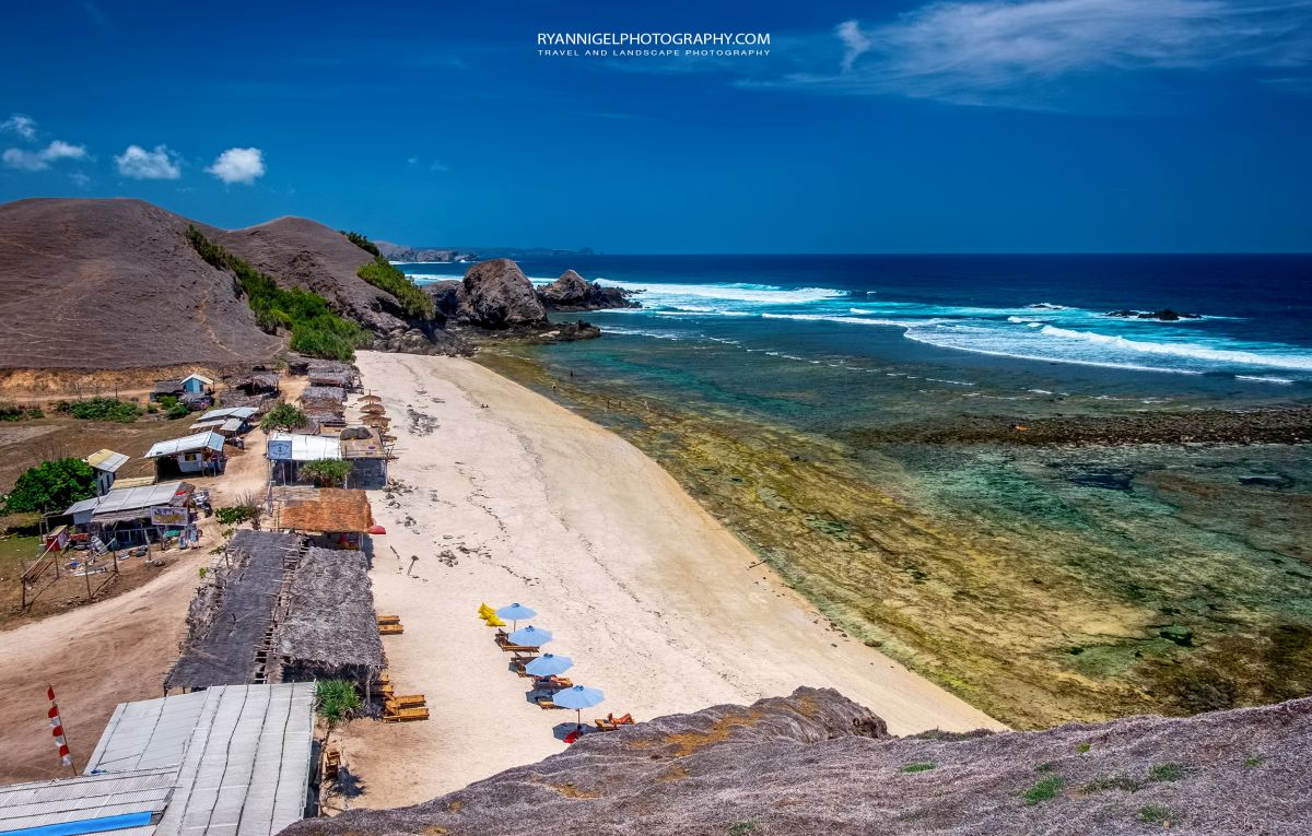 At the end of Mandalika Beach next to Point Sublieme and Seger Beach, Koeta South Lombok