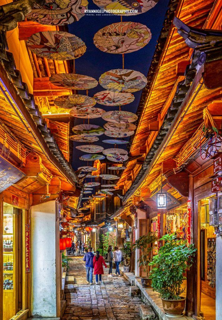 lijiang-streets-at-night_48661024527_oedit
